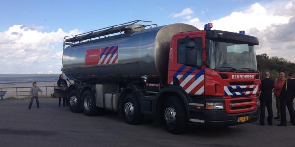 Nieuwe waterwagen voor brandweer Goeree-Overflakkee
