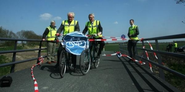Nieuwe fietsbrug over havenkanaal Dirksland