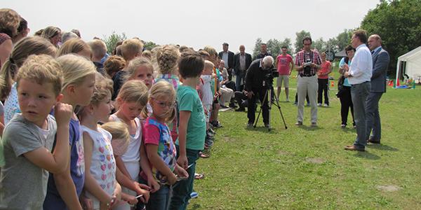 Feestelijke opening strandje Ooltgensplaat op woensdag 24 juni