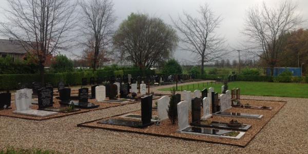 Gedeelte begraafplaats Den Bommel opgeknapt