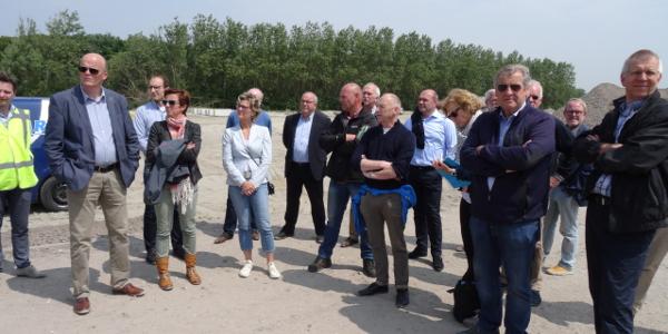 Raadsleden brachten werkbezoek aan strand Ouddorp