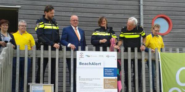 Gemeente en Politie bieden extra dienstverlening aan strandgasten op de Kop van Goeree
