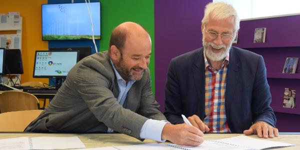 Ondertekening samenwerkingsintentie GO-markt en bibliotheek Middelharnis