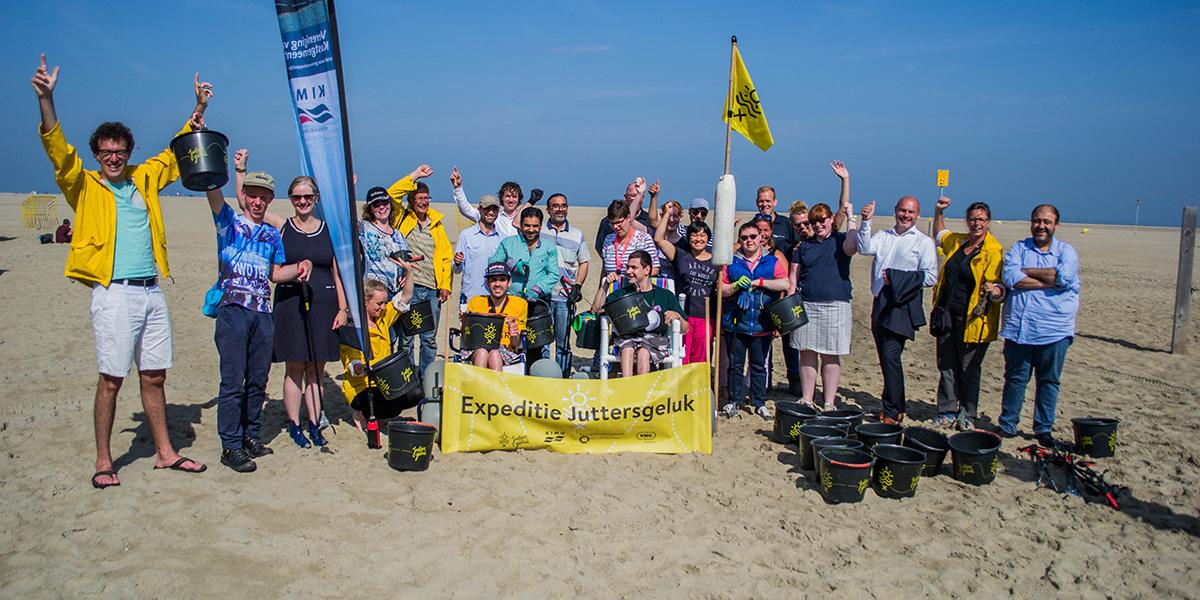 Bijzondere vrijwillige jutters maken de Nederlandse stranden schoon
