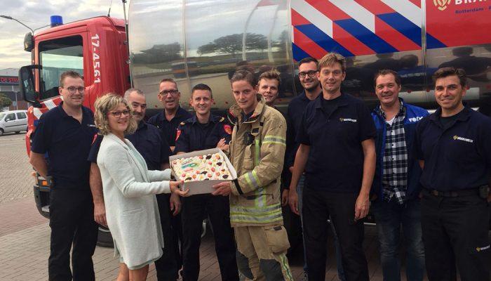 Blusgroepen ontvangen taart als blijk van waardering