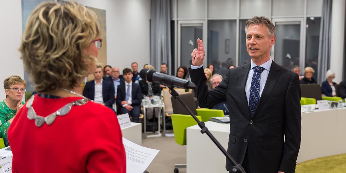 Bert Brand wordt nieuwe griffier van raad Goeree-Overflakkee
