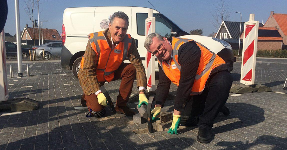 Parkeerterrein Goudsmiene in Ouddorp officieel geopend