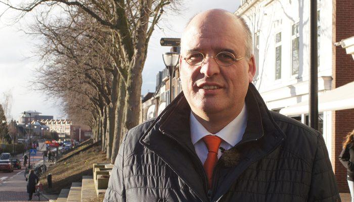 Kees van Dam verlaat de politiek