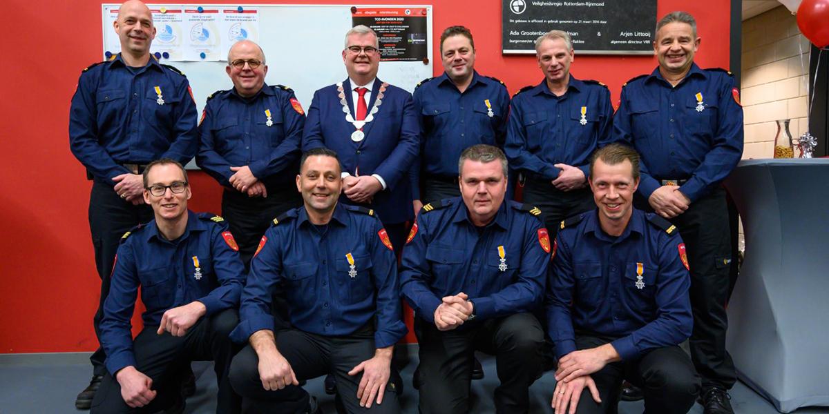 Negen brandweermannen ontvangen Koninklijke onderscheiding