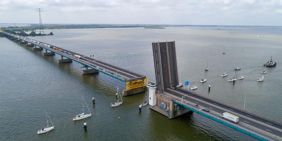 Beperking van hinder bij Haringvlietbrug – 2 stroken 50km/h