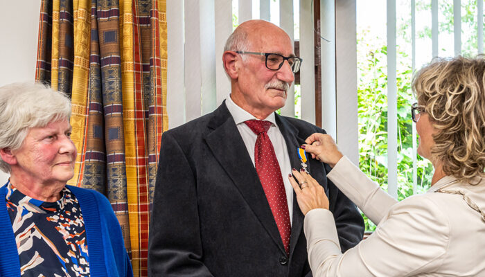 Uitreiking Koninklijke onderscheiding aan de heer Jaap Jongejan uit Middelharnis